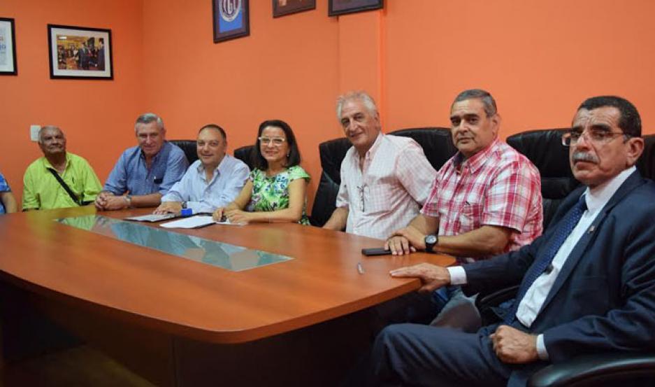 Firman convenio para mejoras laborales de trabajadores golondrinas