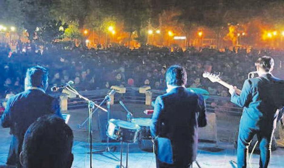 La Municipalidad bandeña organizó un exitoso festejo del