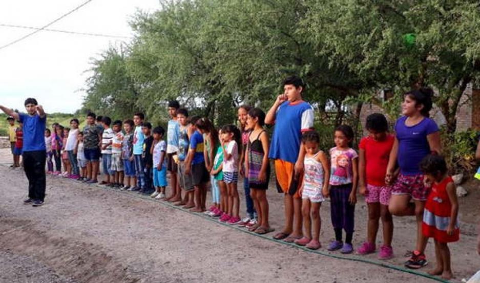 ACTIVIDADES. Los niños compartieron una jornada de juegos, concursos y refrigerio acompañados por sus padres.