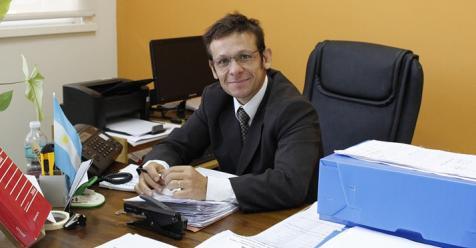 Intenso trabajo de la oga capital durante la feria for Legalizaciones ministerio del interior