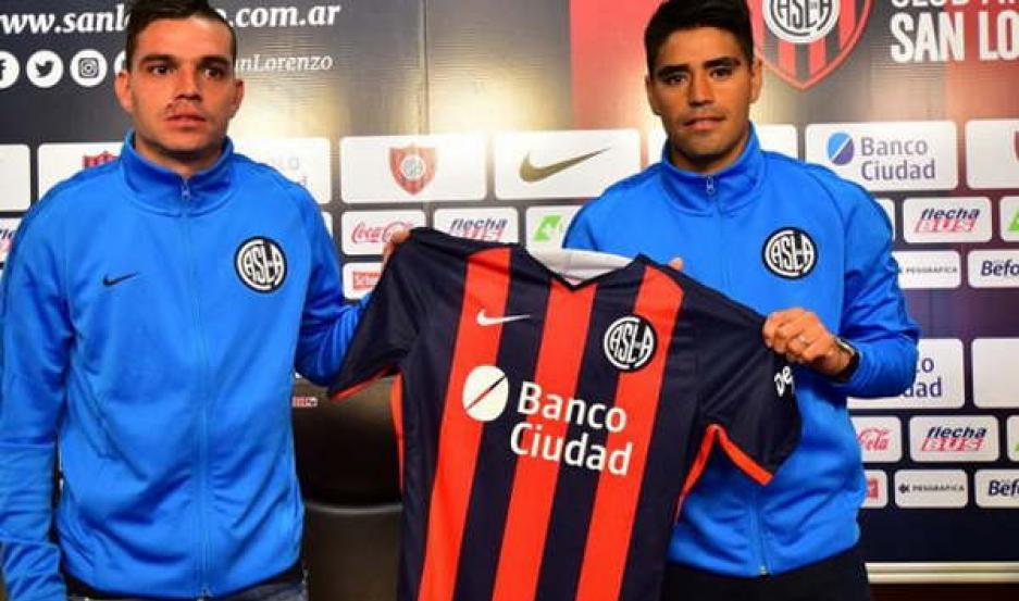 PRESENTACIÓN. Poblete y Daniel Hernández se convirtieron ayer en refuerzos de San Lorenzo. Ambos ya se abocaron a los trabajos.