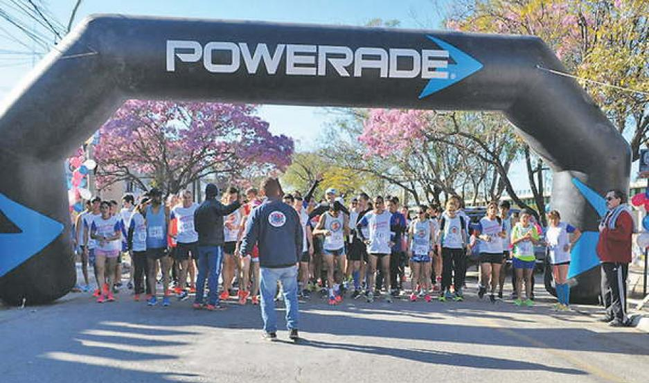 Mauricio Garzón, Aarón Quiroga y Carlos Galván se impusieron  en el maratón 106º Aniversario