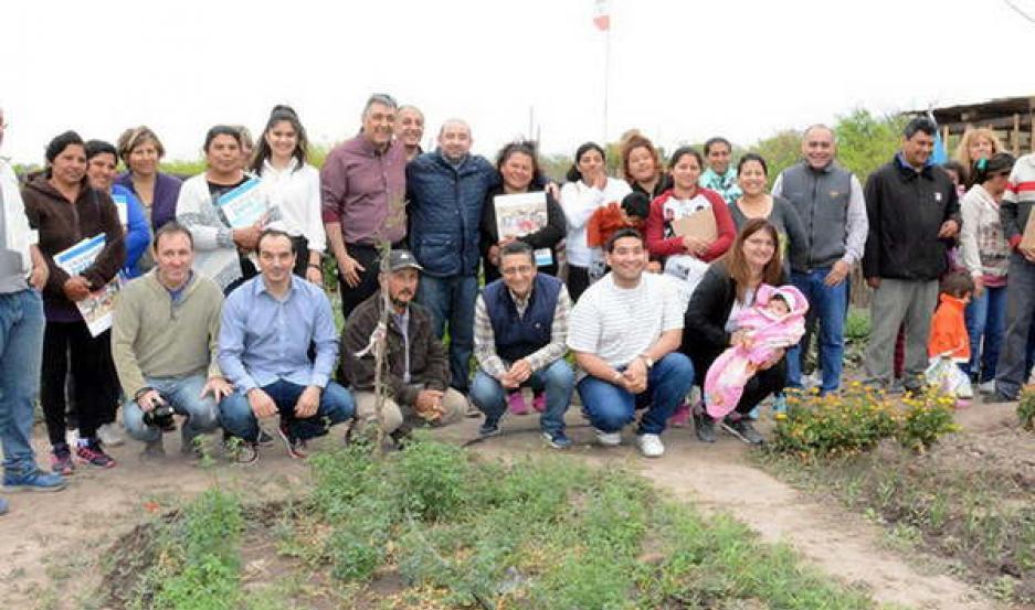 IMPULSO. La huerta comunitaria que se desarrolla en el barrio Independencia realiza un trabajo integral.