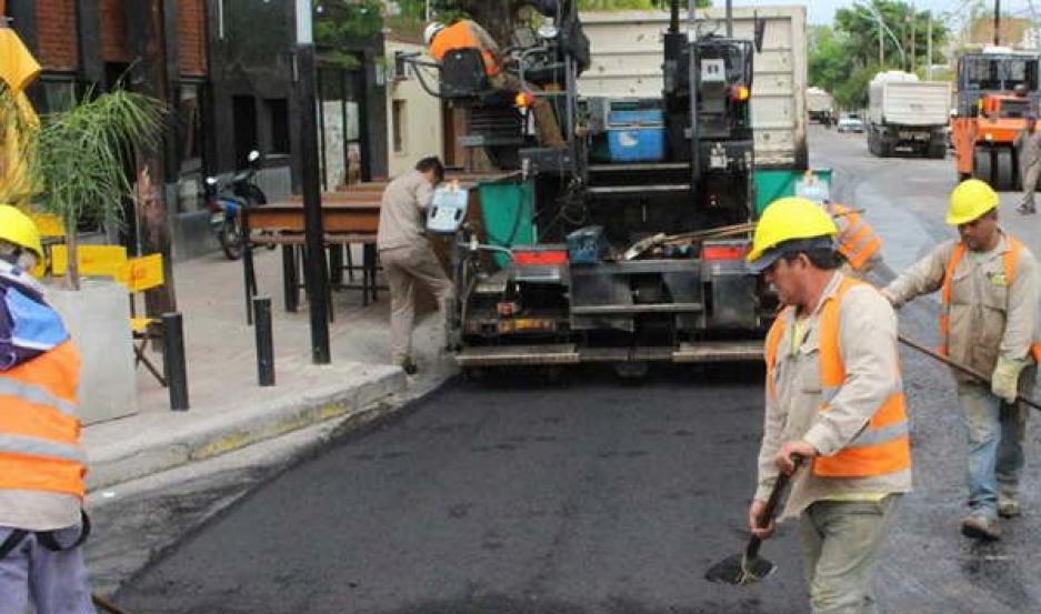 DURO. El trabajo de los operarios municipales es valorado por la comunidad, que se ve beneficiada con las obras