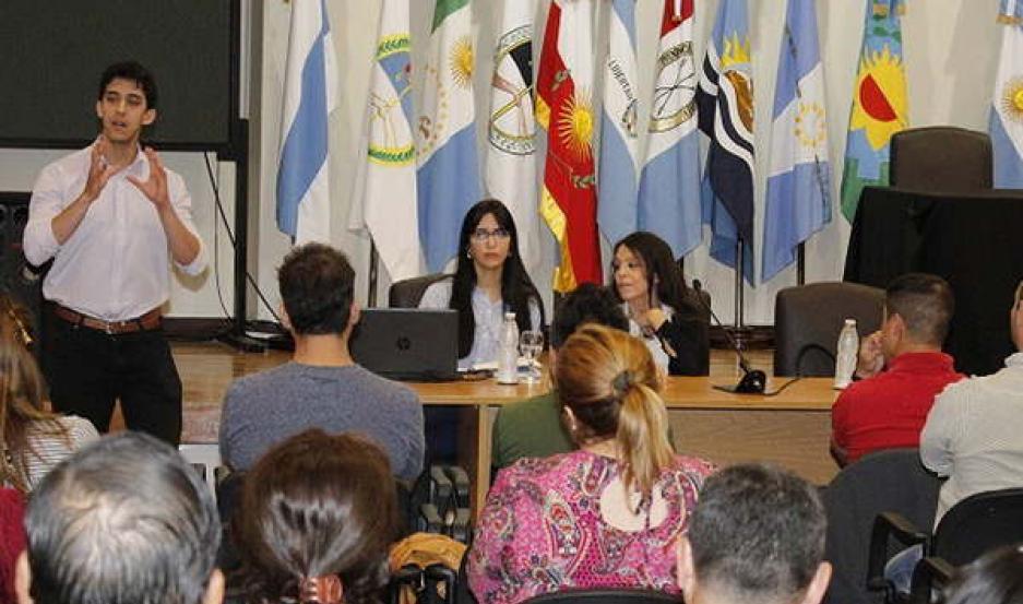RESPALDO. El Poder Judicial realiza talleres donde se brindan experiencias y se dan detalles sobre la adopción.