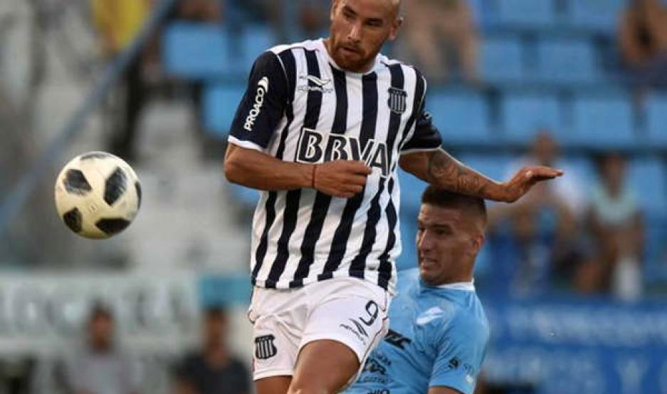 PATERNAL. En tanto que Argentinos recibe a Talleres a las 21.15, y Rosario a Estudiantes en el mismo horario.