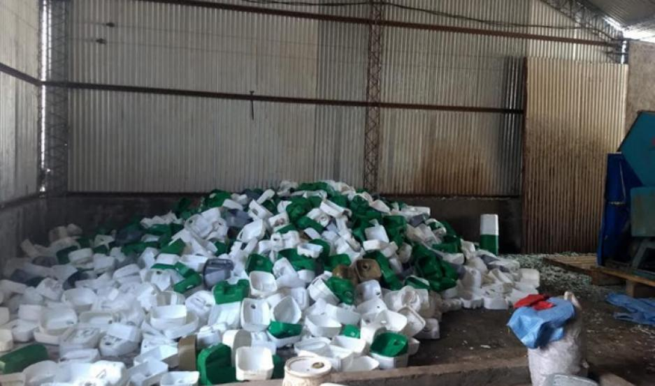 El centro de acopio transitorio de envases vacíos de agroquímicos fue detectado en  Quimilí.