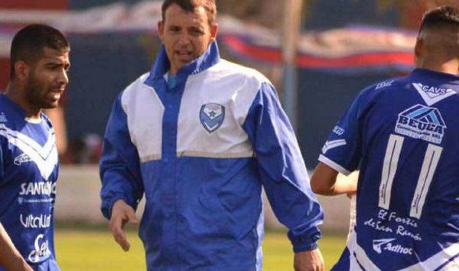 RATIFICADO Montenegro seguirá como DT de Vélez.