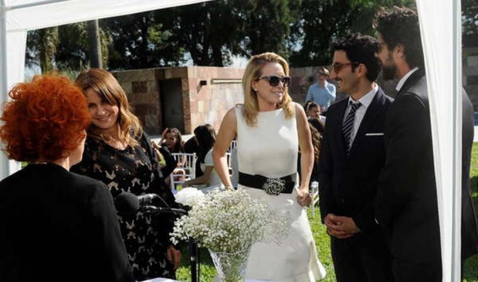 Mirta Busnelli será la jueza de paz que casará a Antonia Salinas (Nancy) y Diego Castelnuovo (Luciano).