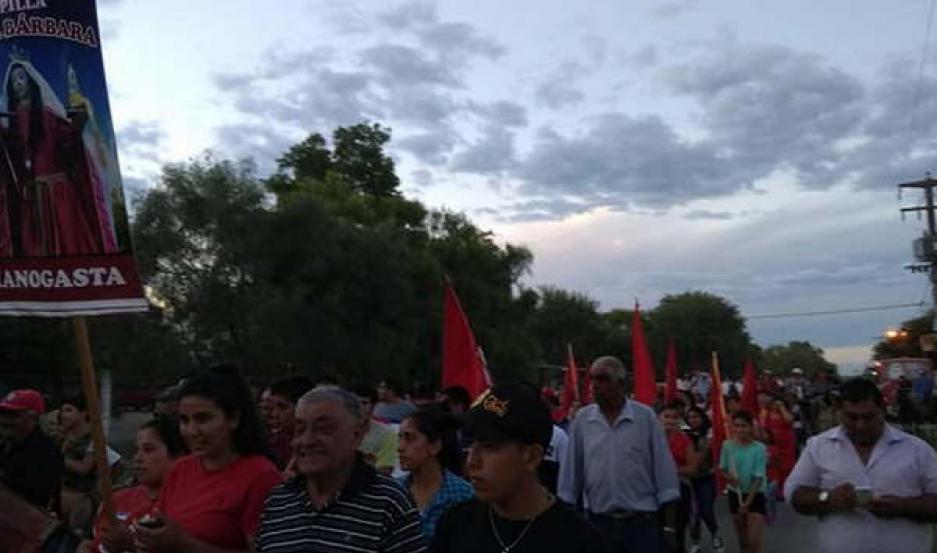 CONVOCATORIA. La fiesta en honor a Santa Bárbara convocó a una multitud en el departamento Silípica.