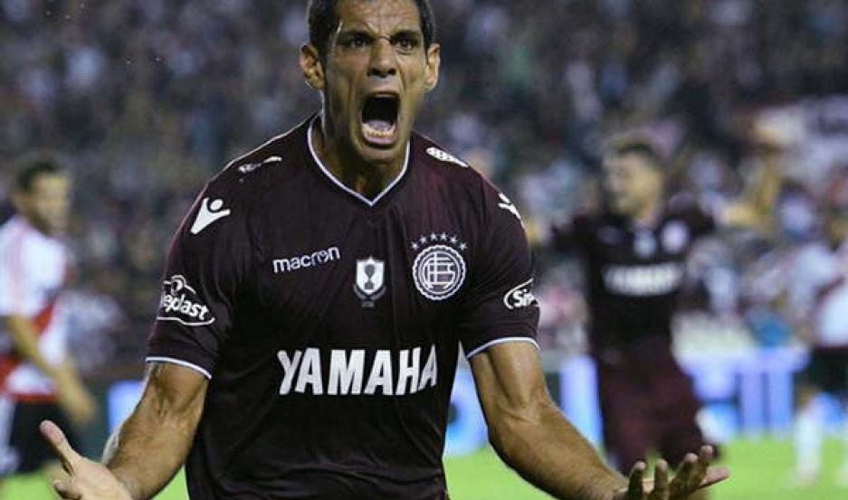 RECONOCIDO El delantero José Sand tendrá su tercera etapa como jugador de Lanús. El