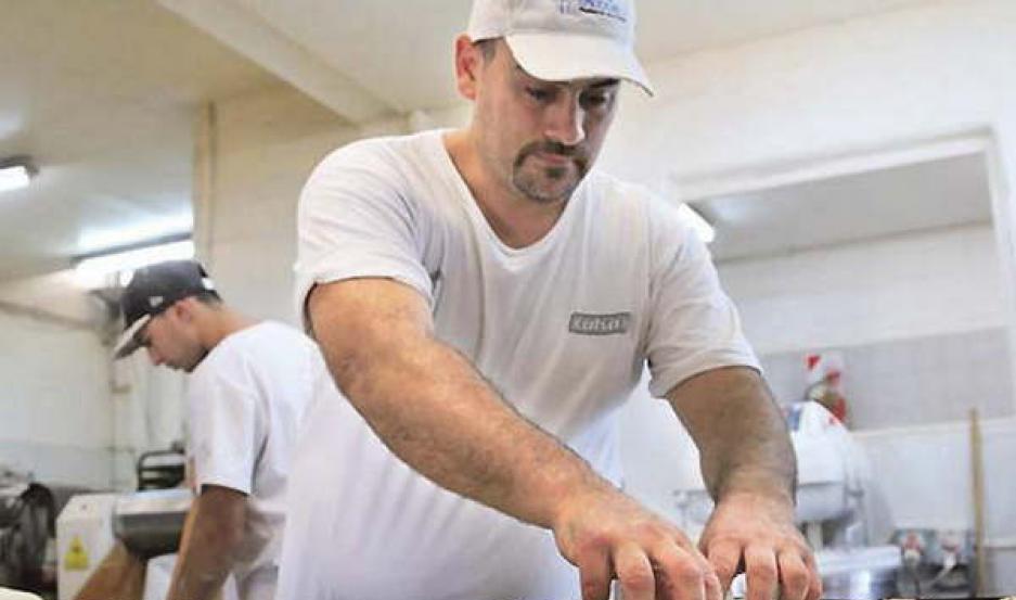 Panaderos sugieren un aumento del 10% en los productos y denuncian la crisis del sector