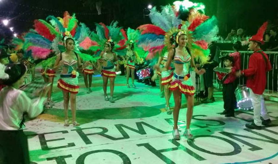 FIESTA. El primer fin de semana de marzo habrá un colorido y alegre espectáculo en Las Termas de Río Hondo.