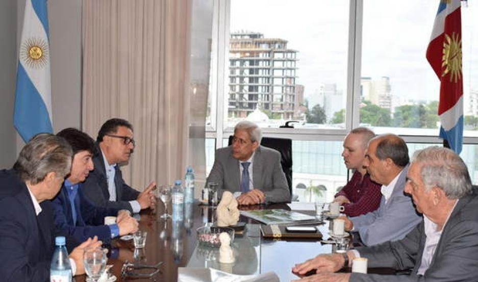 NUEVA ZELANDA. El vicegobernador Neder recibió a los emprearios Alejandro León y a Matías Kausfan.