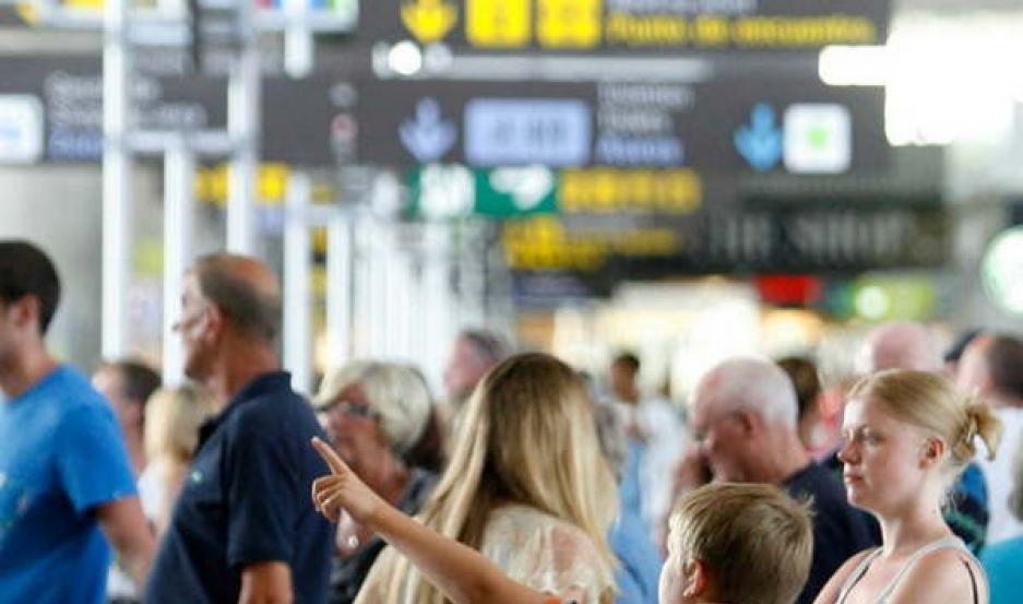 VUELOS Aerolíneas Argentinas ingresó 8% más de pasajeros extranjeros.