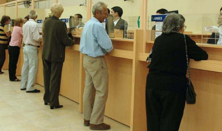 TURNO. En los próximos días seguirán cobrando los jubilados y pensionados con haberes de menos de $10.580.