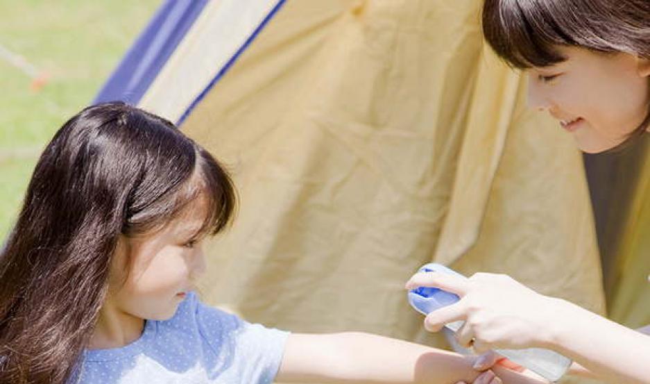 PREVENCIÓN. El uso de repelente en niños es recomendable desde el primer mes.