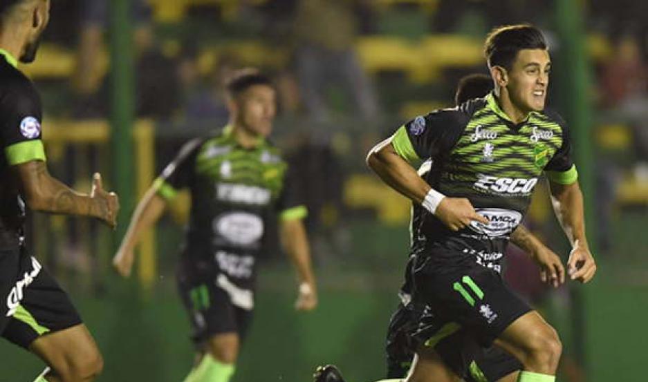 INCREÍBLE. Defensa y Justicia se lo dio vuelta a Argentinos Juniors y también es puntero de la Superliga Argentina.