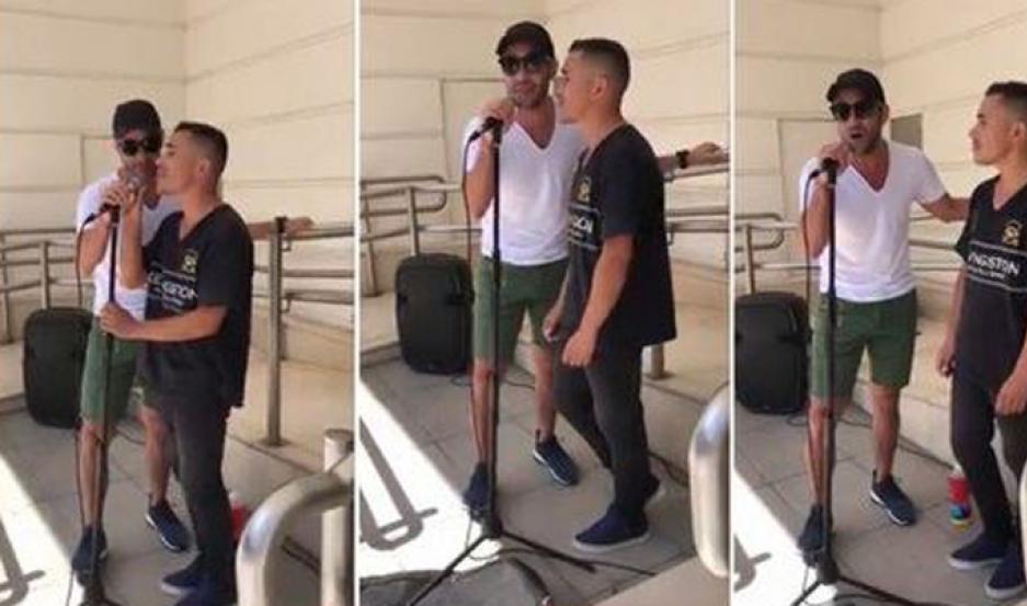 Luciano Pereyra cantó a dúo con un artista callejero