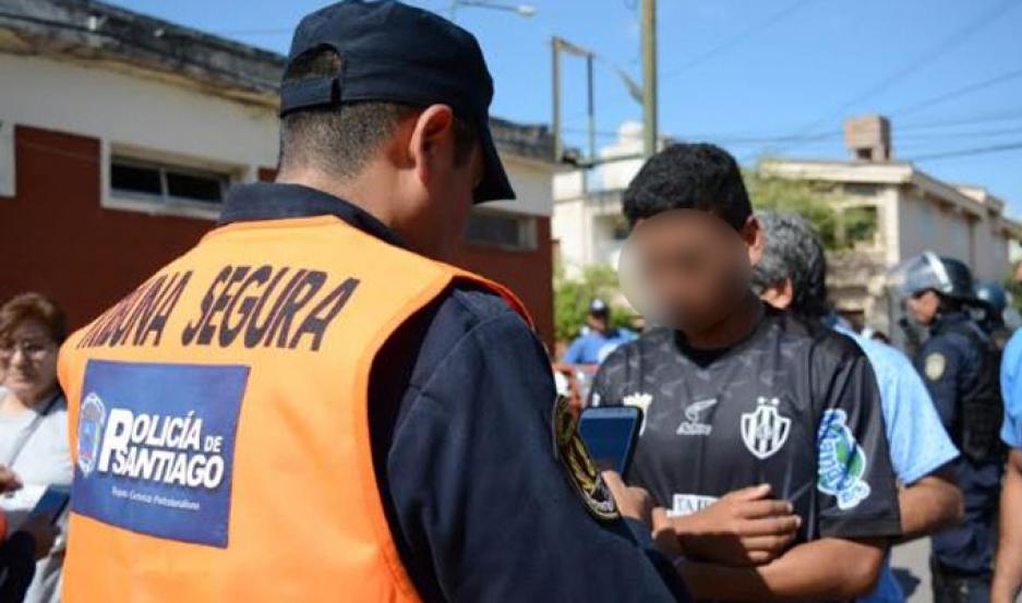 Tribuna Segura: Policía detuvo a sujeto con pedido de captura internacional