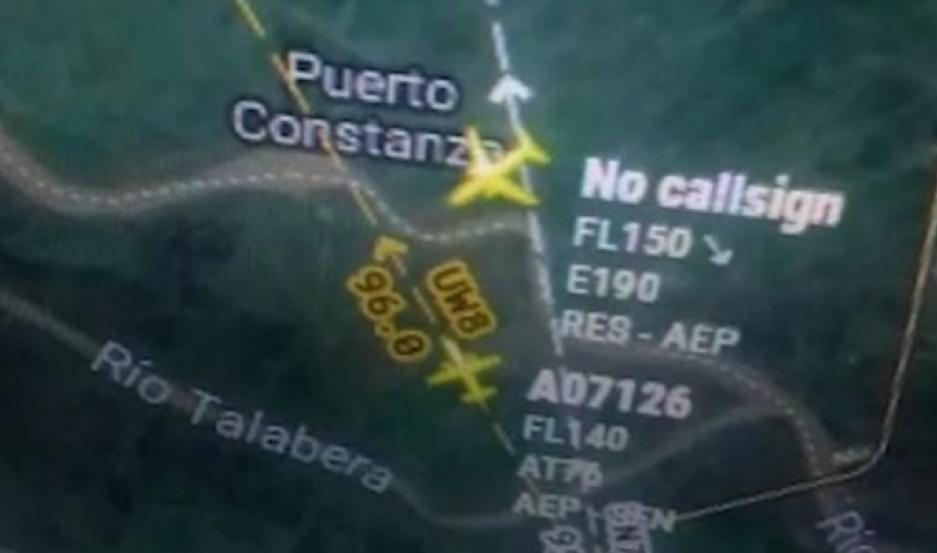 La imagen que demuestra la cercanía entre los aviones.