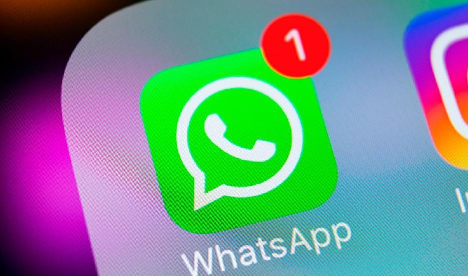 WhatsApp pide a los usuarios actualizar la App de inmediato.
