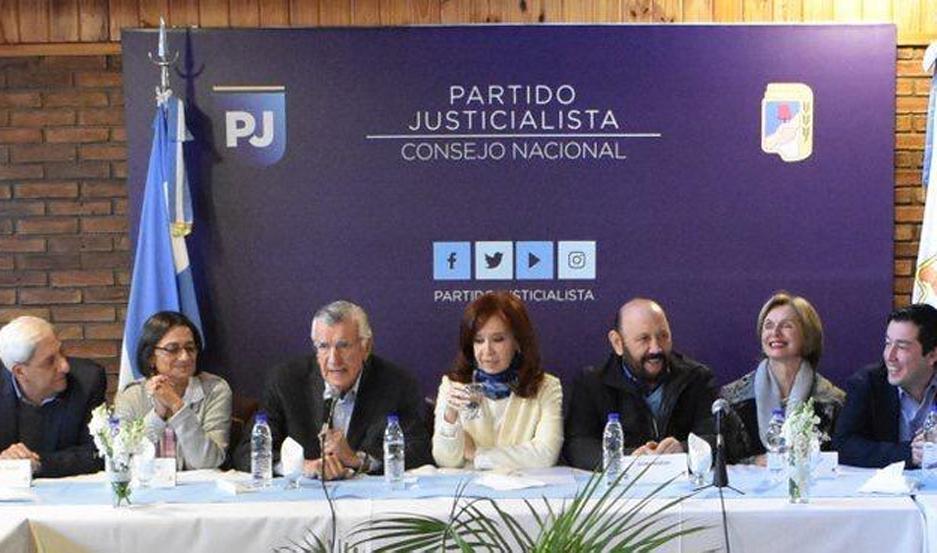 El vicegobernador de Santiago, Emilio Neder, estuvo presente como líder del PJ santiagueño.
