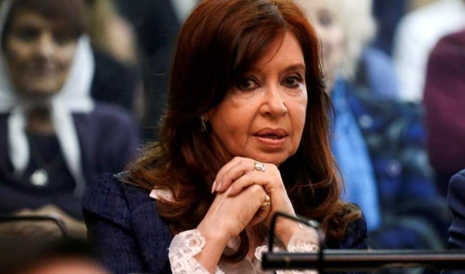 Cristina pidió autorización para viajar a Cuba en julio