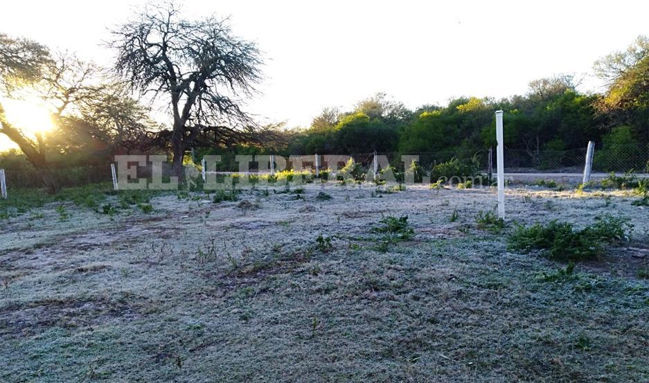 Patio de juegos de la escuela N° 1016 Francisco Cantos Correa, en  Negra Muerta.