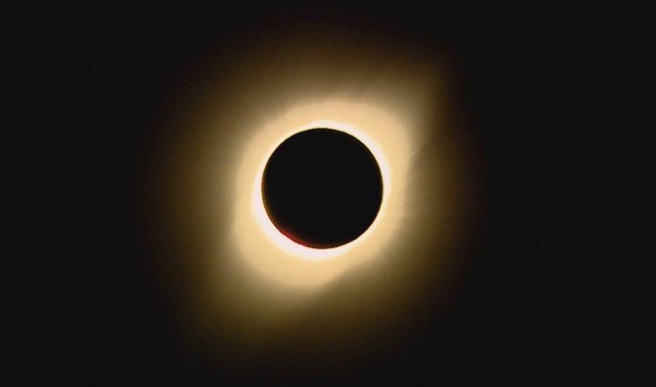 Eclipse solar 2019: mirá los mejores memes de las redes