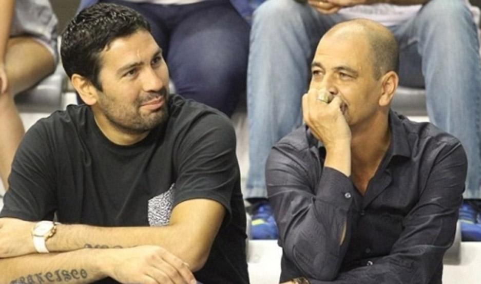 Leo Gutierrez junto a Sergio Hernández, entrenador de la selección (Foto: Diego Berrutti)
