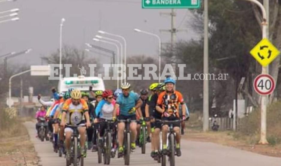Los ciclistas que participaron de la prueba provienen de diferentes ciudades del interior de Santiago del Estero.
