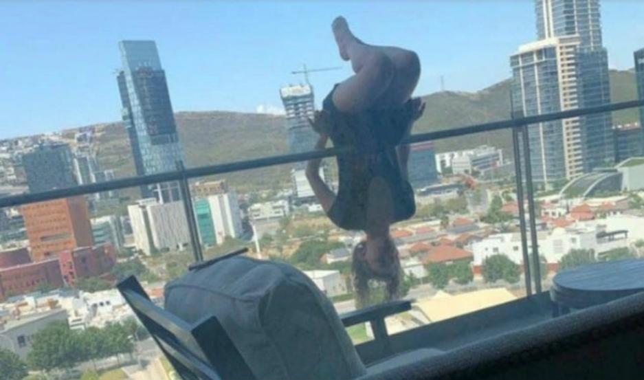 Mujer cae desde 25 metros por realizar