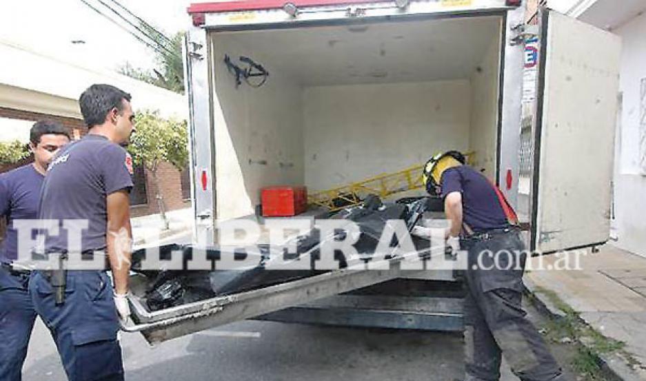 El cuerpo del vecino del barrio General Paz fue trasladado a la Morgue Judicial de La Banda.