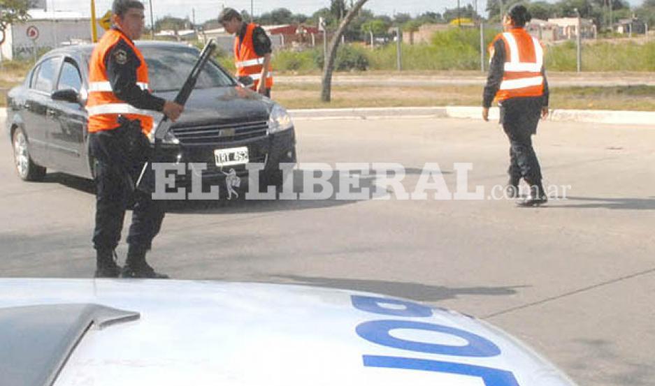 El asalto al empleado de la estación de servicios generó un cierre de rutas, en busca de los ladrones, a cargo de las autoridades de la Policía de Fernández.