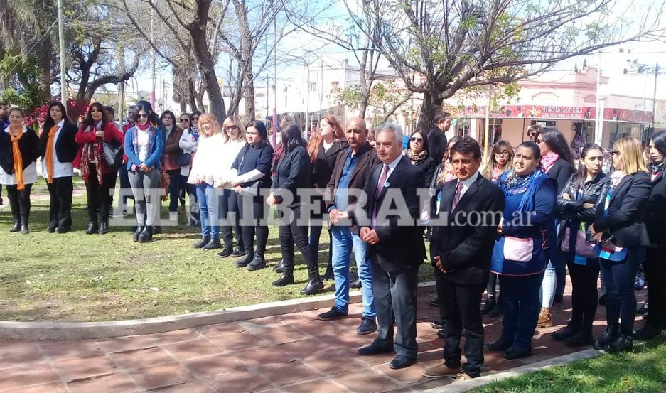 El acto en honor a Domingo Faustino Sarmiento fue encabezado por el titular del Ejecutivo Municipal de Añatuya.