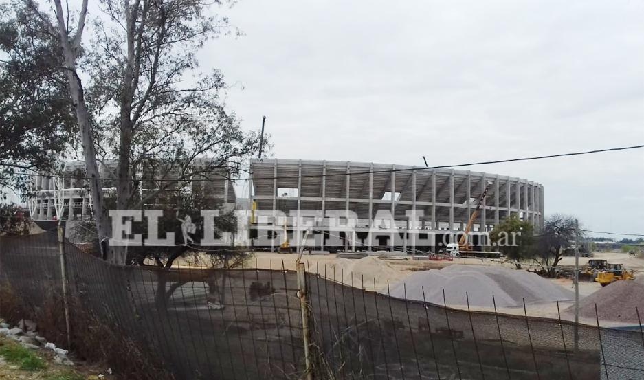 En la jornada de hoy, terminó la construcción de las tribunas del Estadio Único de Santiago del Estero.