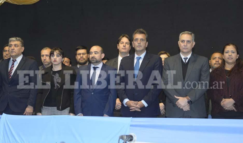 Sergio Massa acompaña a Mirolo en el acto central por el cumpleaños de La Banda