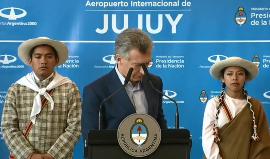 """Cuando se produjo el blooper, el presidente justo hablaba de """"escuchar a los argentinos""""."""