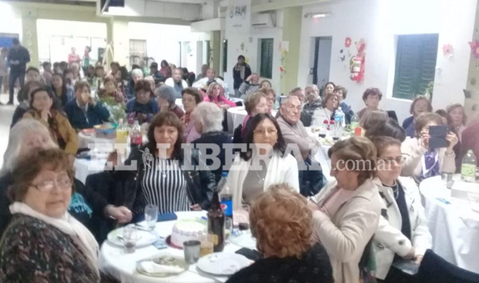 """En el """"Día del Jubilado"""", participan de distintas actividades en Añatuya."""