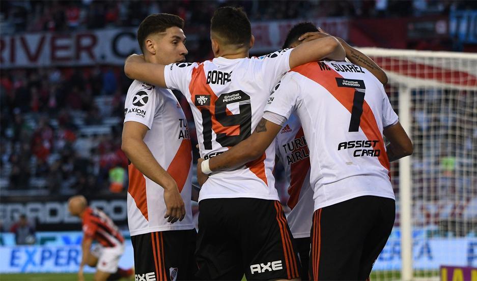 Borré marcó los tantos de la victoria para River.