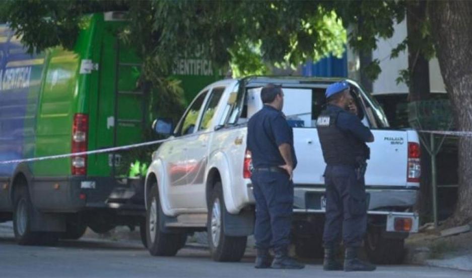 El cuerpo de la joven fue encontrado en un pozo ciego, de un aserradero de José C. Paz.