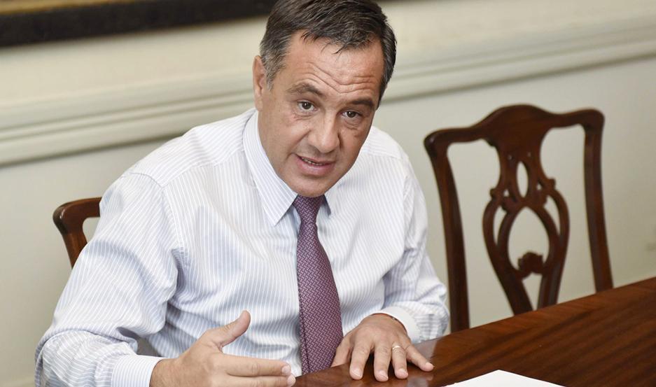 El ministro Alejandro Finocchiaro valoró la importancia de las becas Progresar.