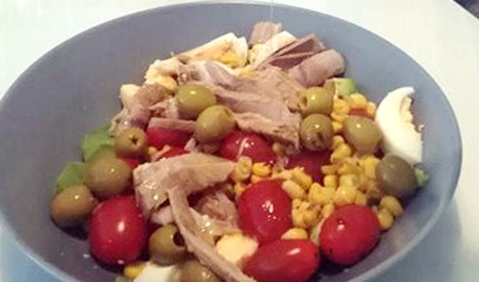 CLAVE. Hay que introducir alimentos frescos en la dieta, y dejar de lado aquellos con alto contenido calórico.