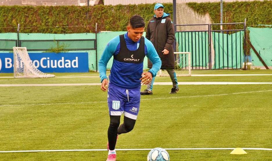 Matías Zaracho trabajó ayer con normalidad y se perfila para ser titular ante Boca Juniors.