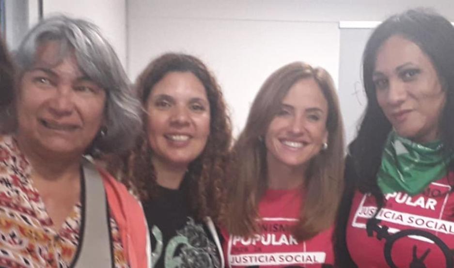 Luisa, con sus compañeras en el Encuentro Nacional realizado en La Plata.