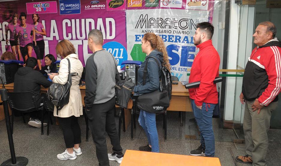 ATRACCIÓN. Hamburgo Compañía de Seguros se pobló de atletas en la jornada de ayer y ya todos empezaron a palpitar la fiesta del próximo 10 de noviembre.