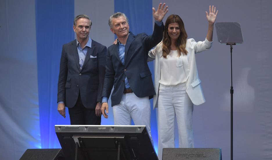 """Regocijado por el apoyo, Macri pidió """"no volver al pasado""""."""