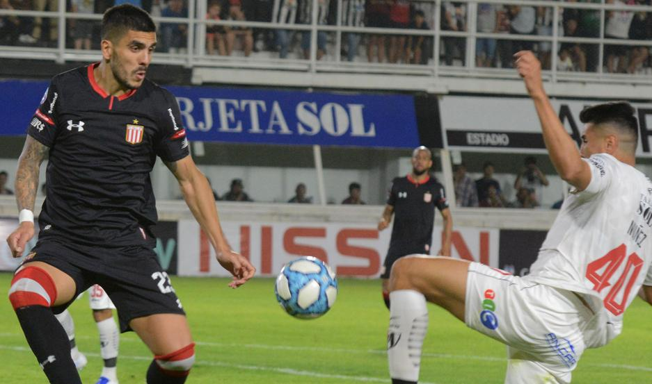 El santiagueño Enzo Kalinski mostró toda su categoría y oficio para ser de los mejores en Estudiantes.