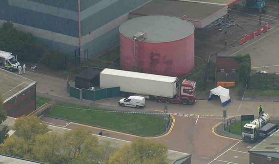 Los numerosos cuerpos fueron descubiertos en el interior de un camión.